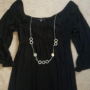 *No wrinkle* Tiana B peasant style dress.